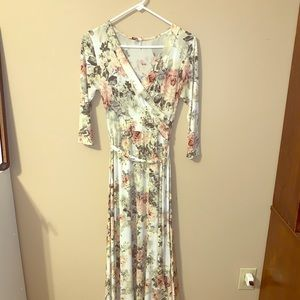 Pinkblush maternity/nursing floral maxi dress